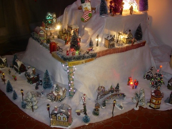 Id es vos d corations de no l mickaelle village de noel st orens - Decoration village de noel ...